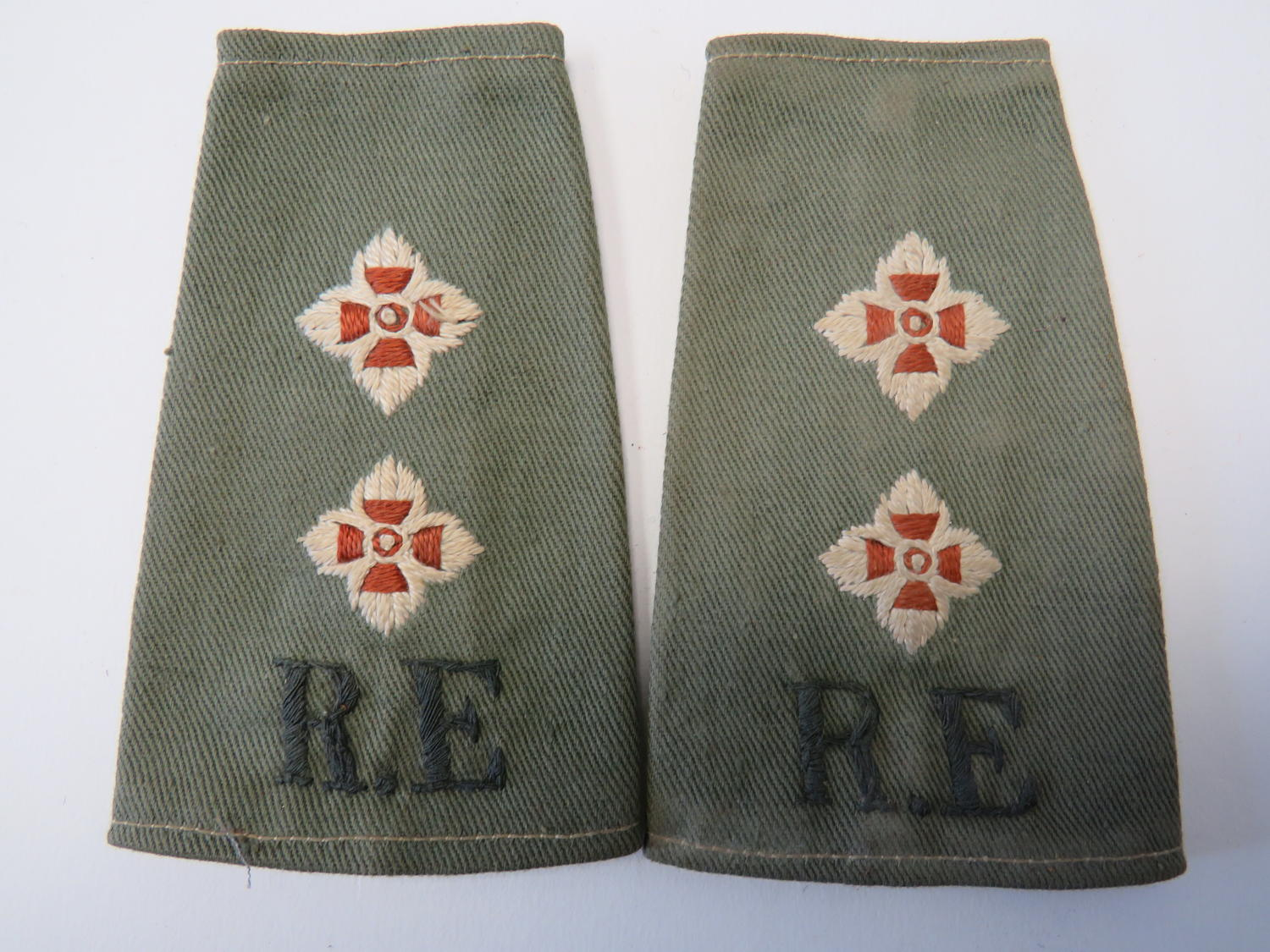 Pair of Royal Engineers Officers Slip on Rank Slides