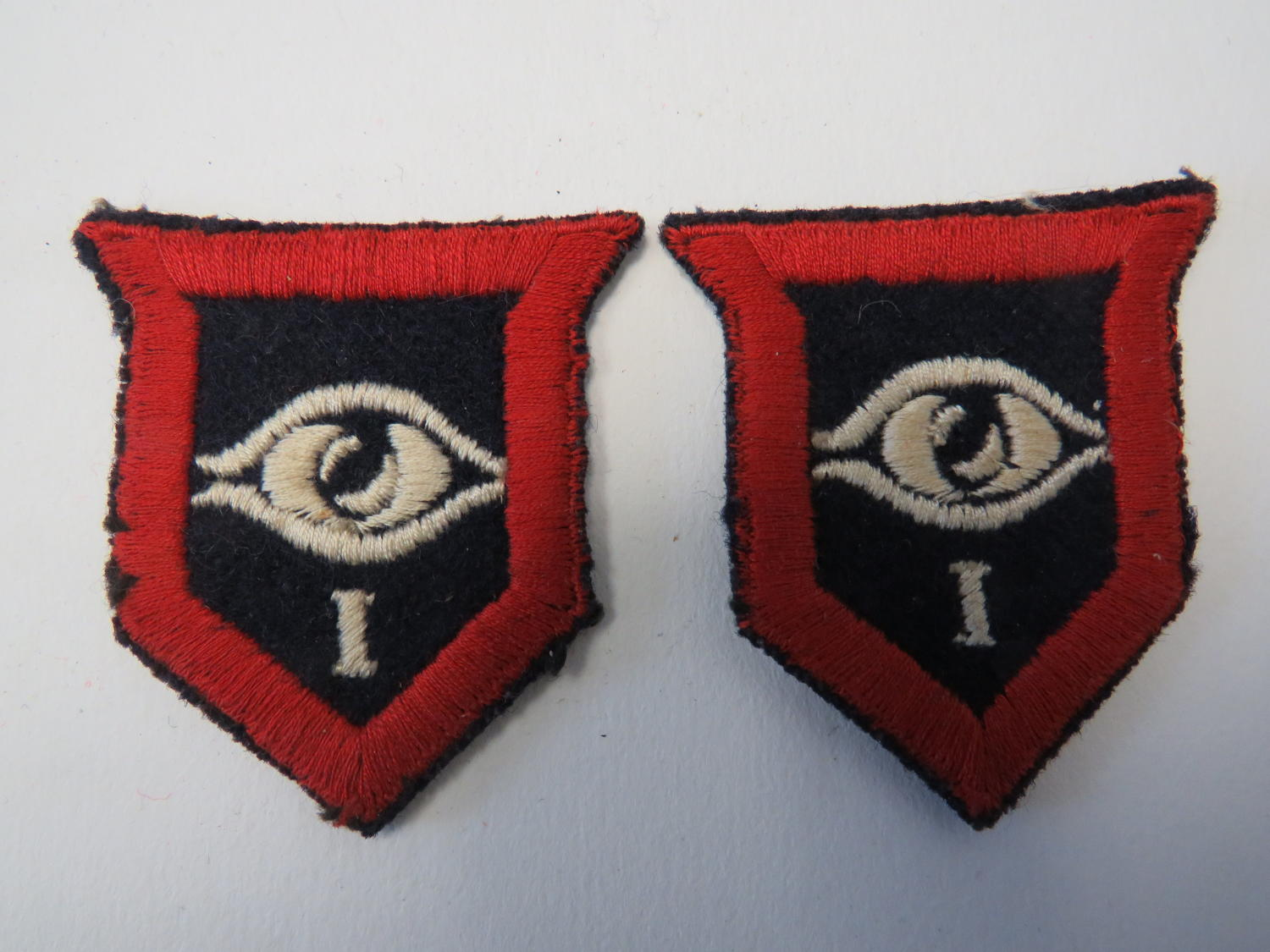 Pair of 1st Guards Armoured Division Formation Badges