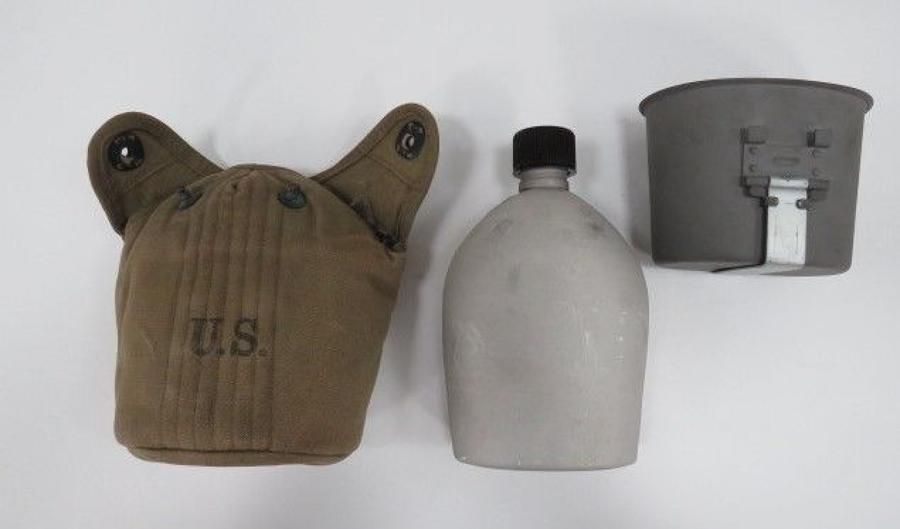 WW 2 Dated American Water bottle and Cover