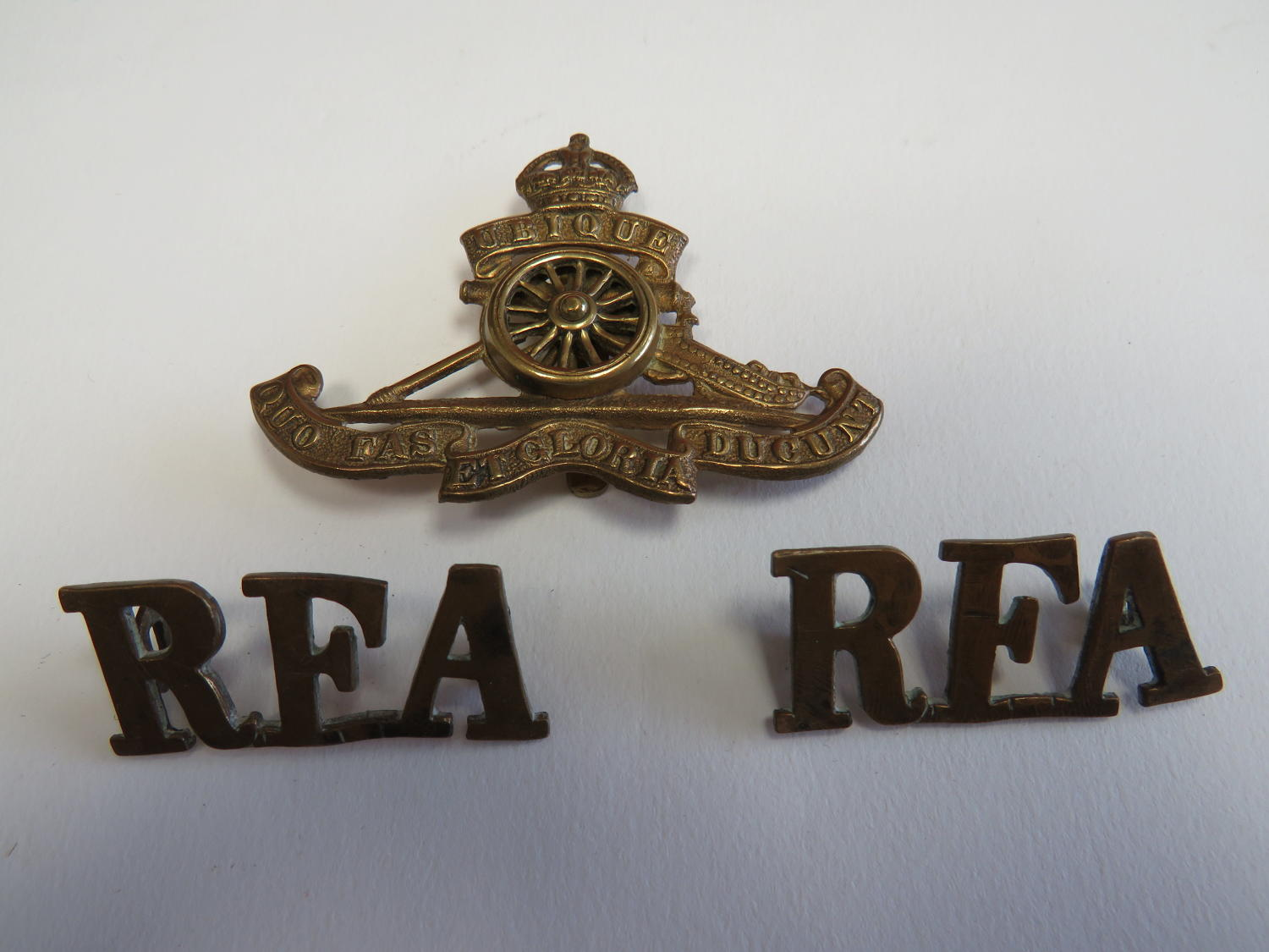 Royal Artillery and R.F.A Badge Group
