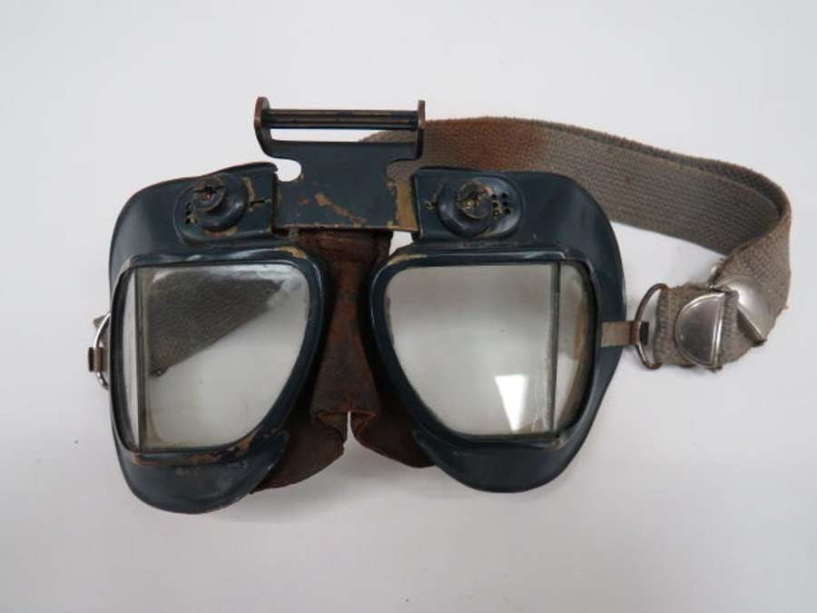 Rare Pair of R.A.F Issue Mk 7 Flying Goggles