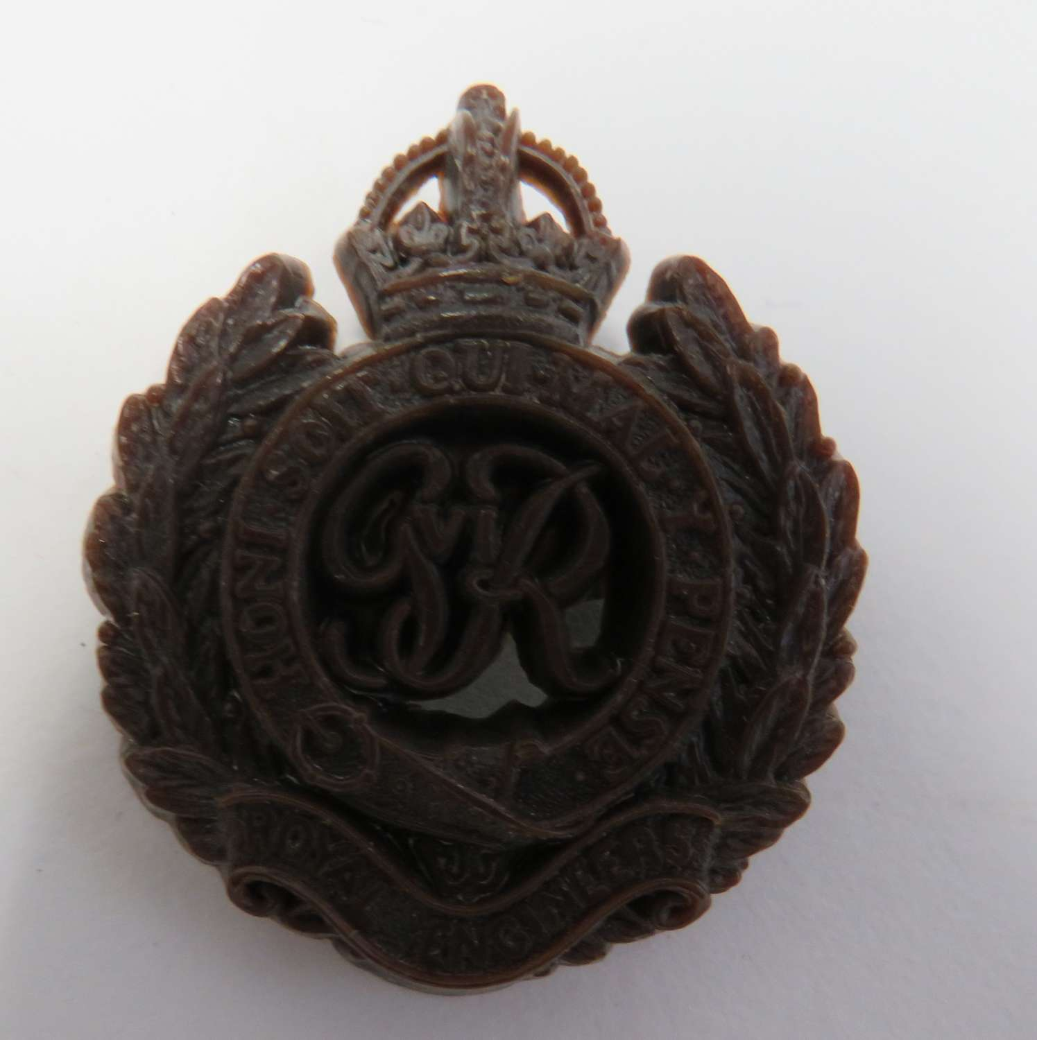 WW 2 Royal Engineers Plastic Economy Cap Badge