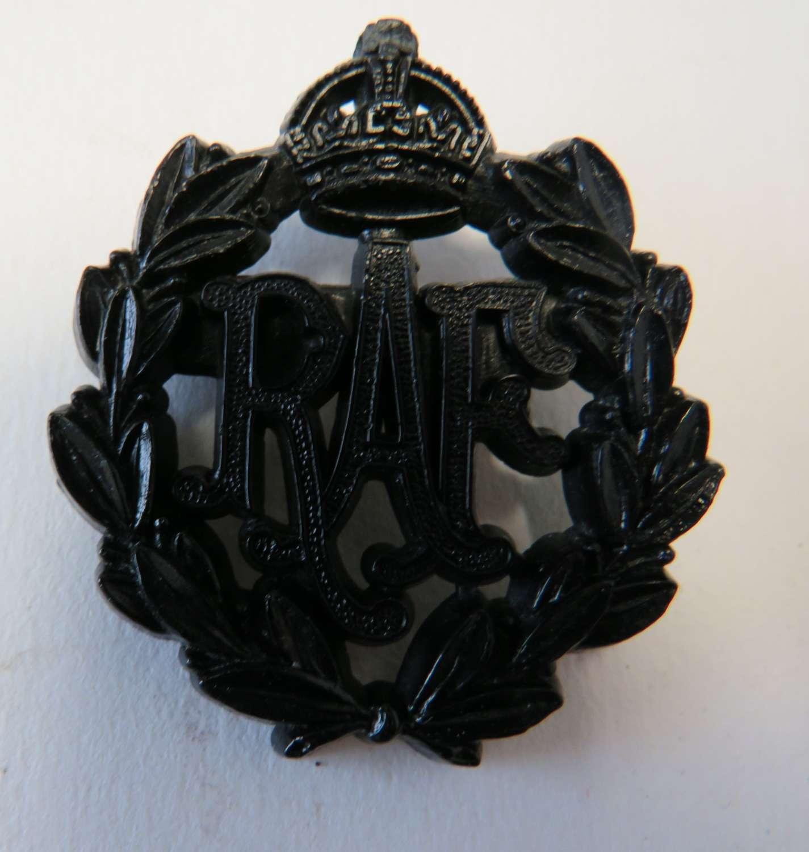 WW 2 Plastic Economy R.A.F Cap Badge