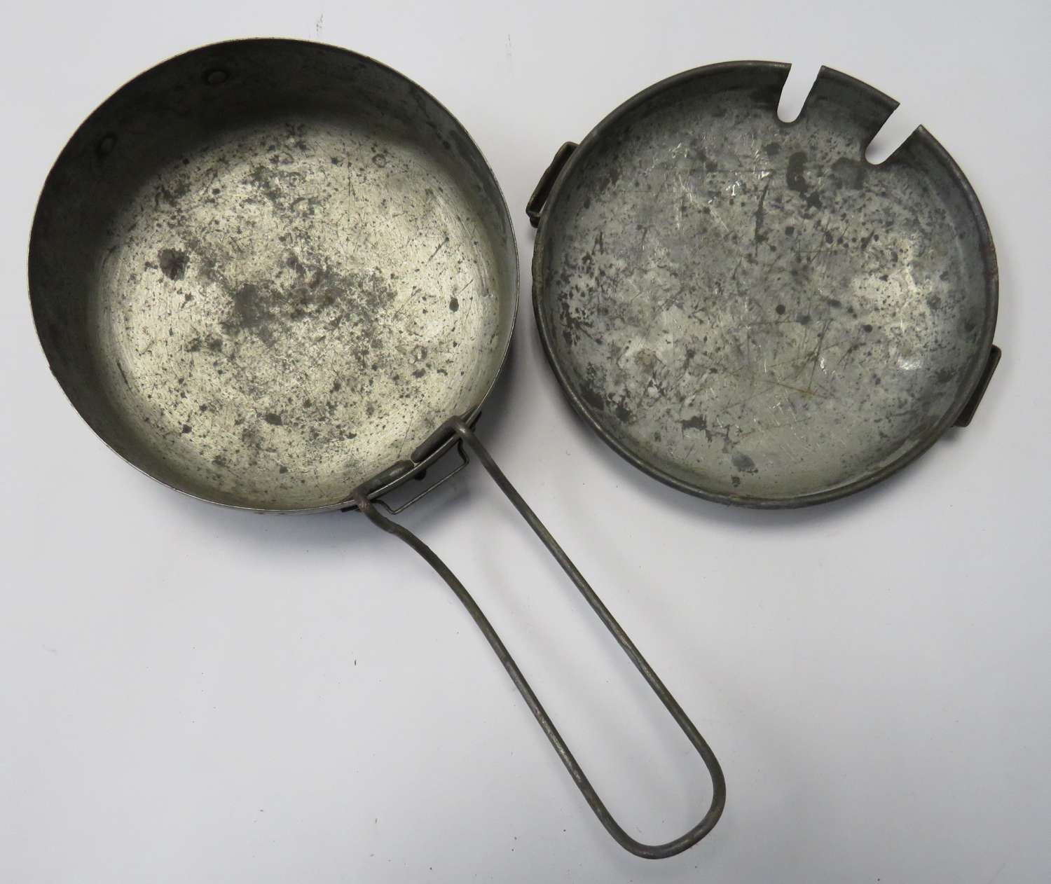 1942 Dated Mounted Cavalry Circular Mess Tins