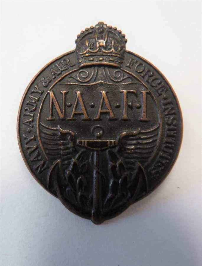 WW2 N.A.A.F.I Cap Badge