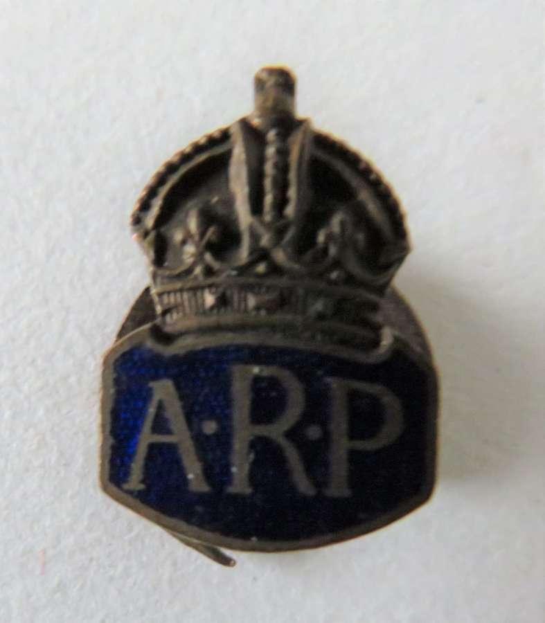 WW2 A.R.P Small Lapel Badge