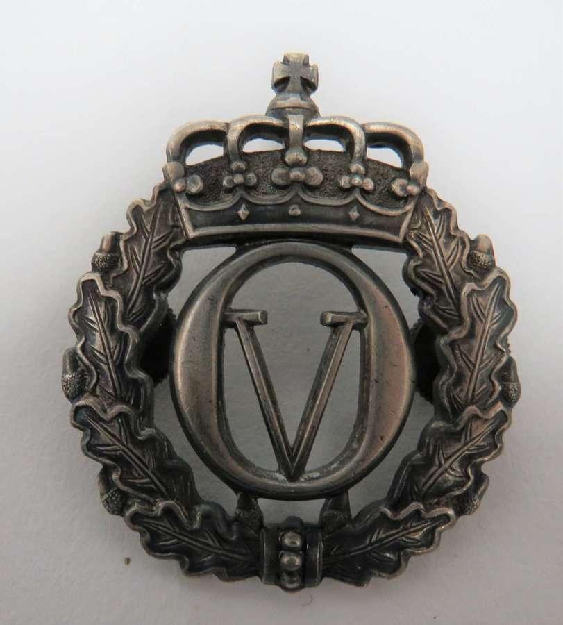 Norway King Olav V Cap Badge